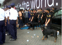 Police dispatched for crowd control at the Blackberry Bold 9790 Launch event.